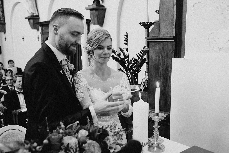 aansteken huwelijkskaars kerk Fonteinhof