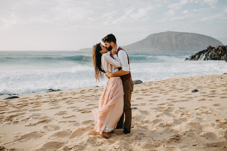 bride groom kissing beach La Graciosa Canary Island