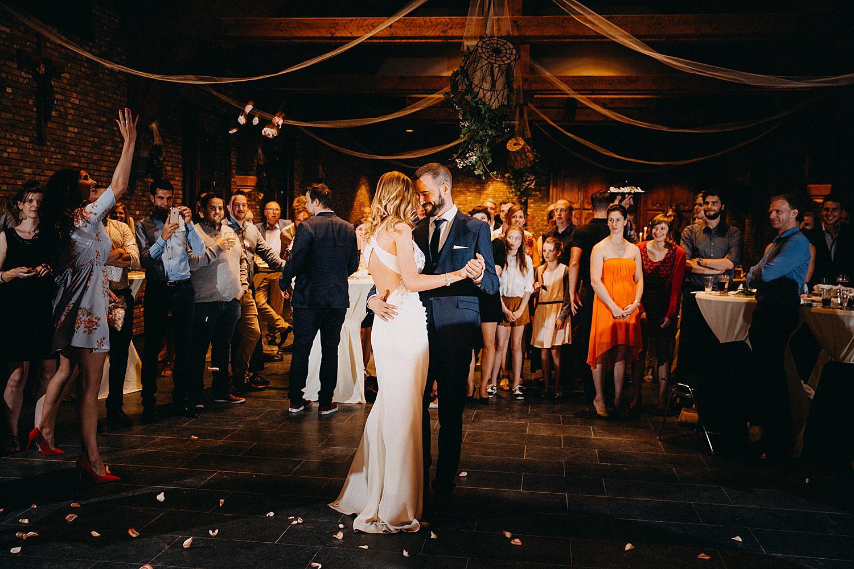 bruidspaar danst openingsdans feestzaal Lommel