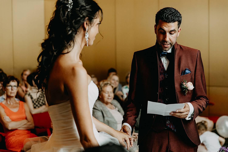 Stadhuis Lommel huwelijk ja-woord bruidegom