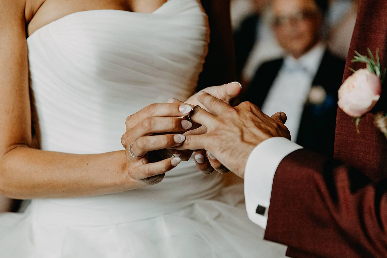 Stadhuis Lommel huwelijksringen uitwisselen