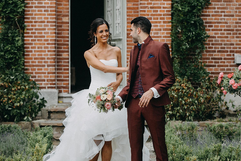first look huwelijk in tuin