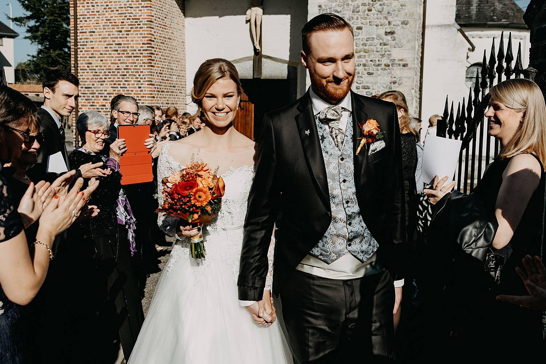 Sint-Nicolas kerk uittrede bruidspaar Fonteinhof