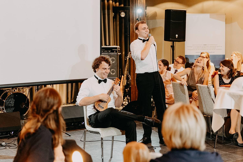 Fonteinhof huwelijk voordracht vrienden met zang