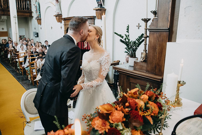 kus huwelijk kerk Fonteinhof
