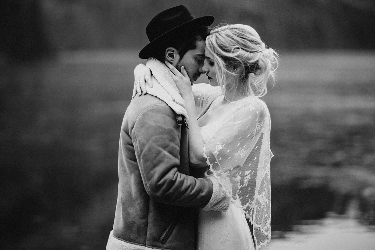 Bride groom kissing by Langbathsee lake