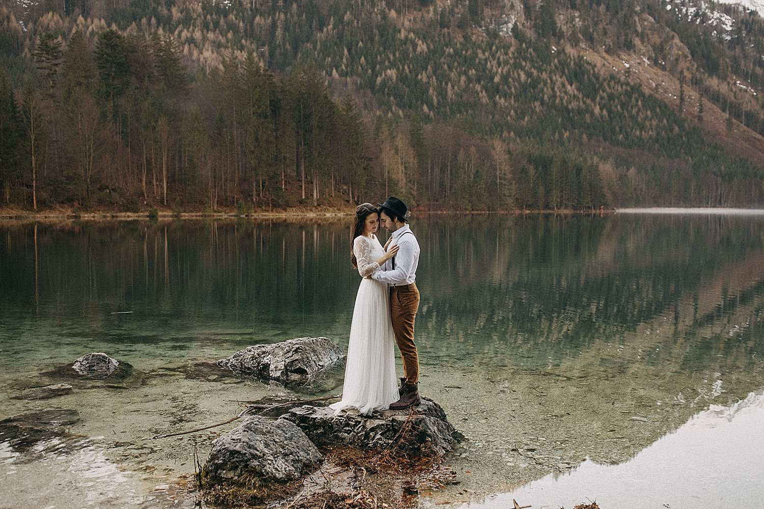 Winter lake wedding Austria Ebensee