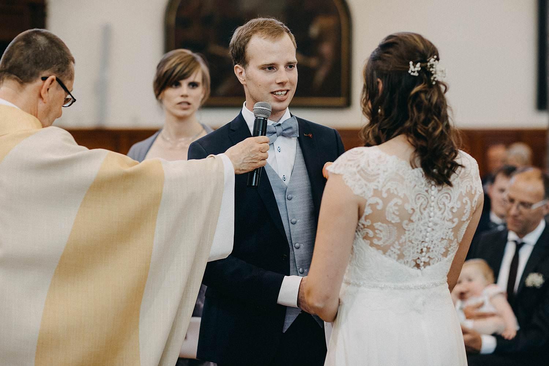 Kerk Gullegem huwelijk ja-woord bruidegom