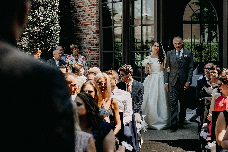 intrede vader bruid buitenceremonie Ten Huize Foets