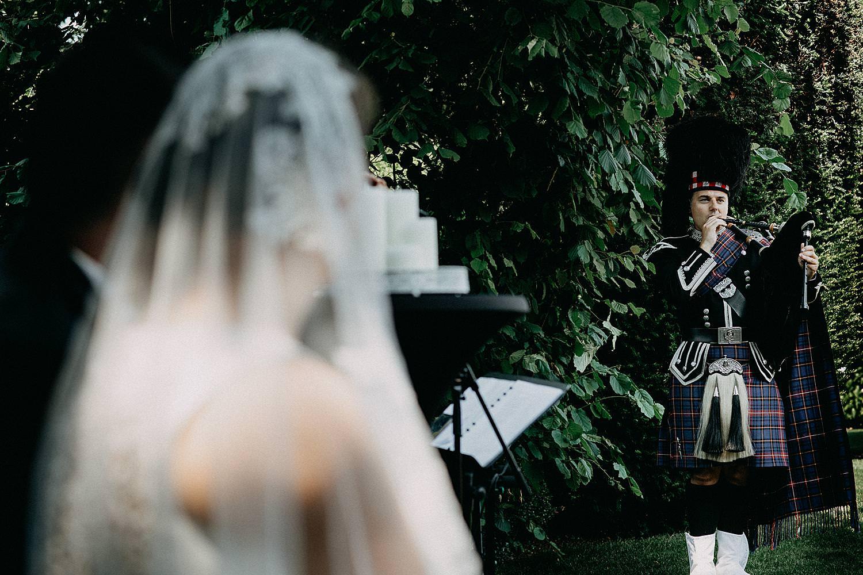 Schotse doedelzakspeler buitenceremonie huwelijk Ten Huize Foets