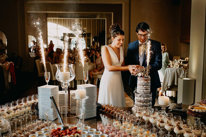 bruidstaart aansnijden feestzaal De Kleine Graaf Tongeren