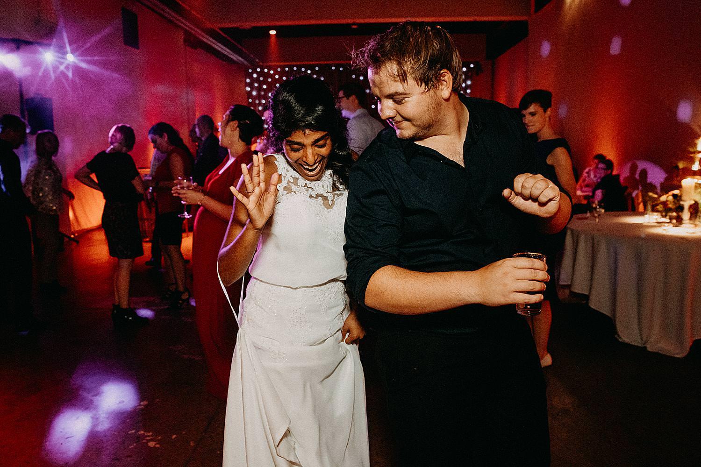 bruid dans gast huwelijk Beringen