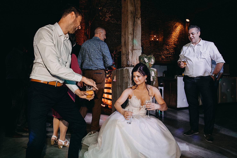 bruid dansvloer Monnikenhof Genoelselderen huwelijk