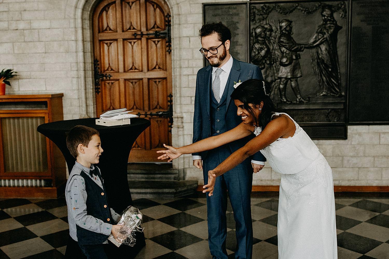 bruid open armen kind stadhuis Leuven