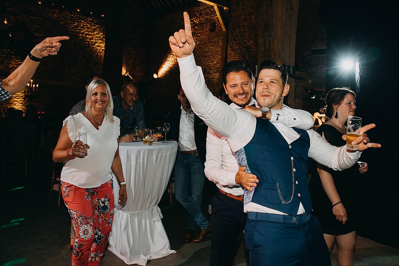 bruidegom dansvloer Monnikenhof