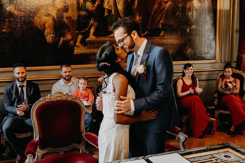 bruidspaar kust trouwzaal stadhuis Leuven