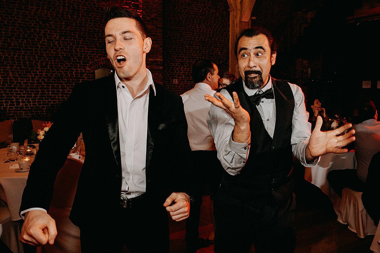 gasten dansen huwelijk