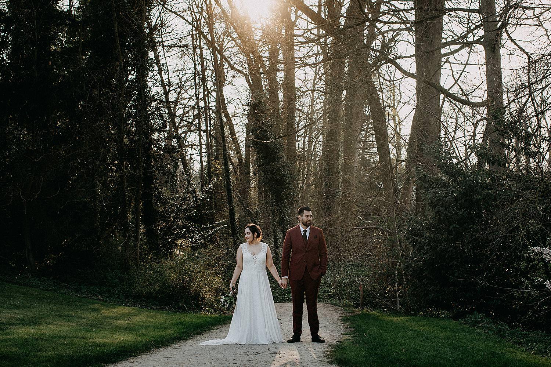 bruidspaar op pad plantentuin Meise