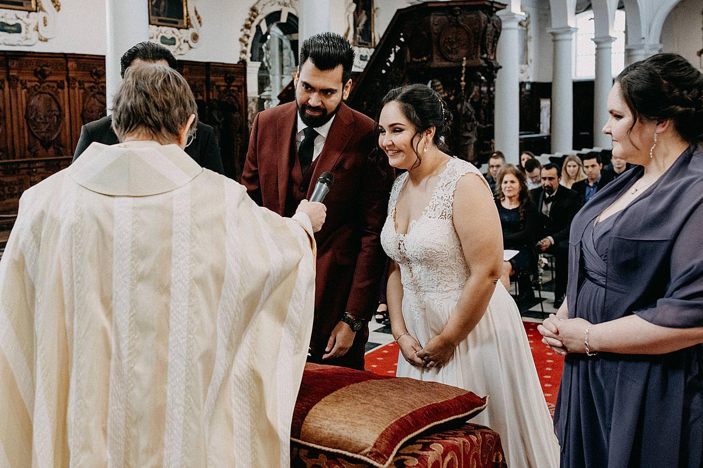 Ja-woord bruidspaar Sint-Carolus Borromeuskerk