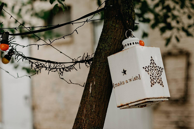 decoratie lamp boom huis van Mihr