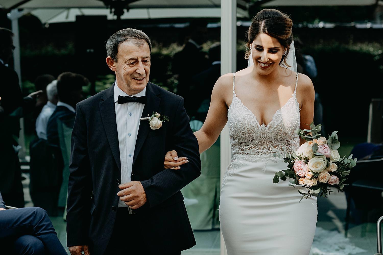 intrede vader en bruid Rubenshof buitenceremonie