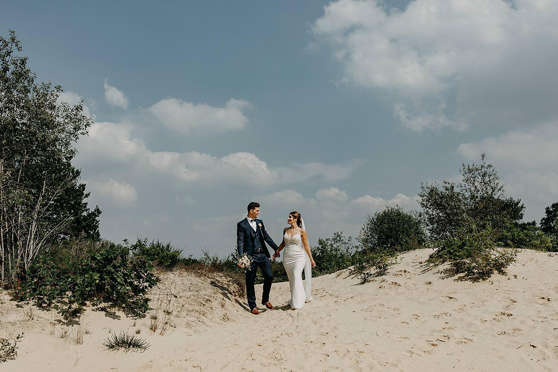 bruidspaar op zandduin Schemmersberg Genk
