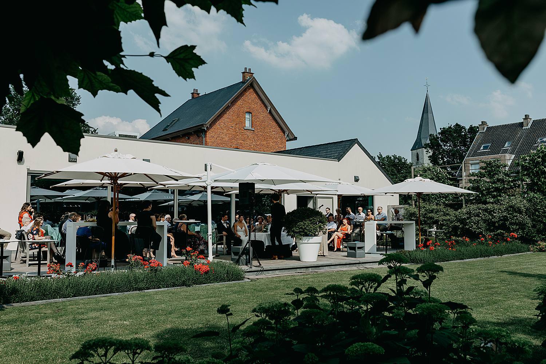 buitenceremonie in tuin Rubenshof Alken