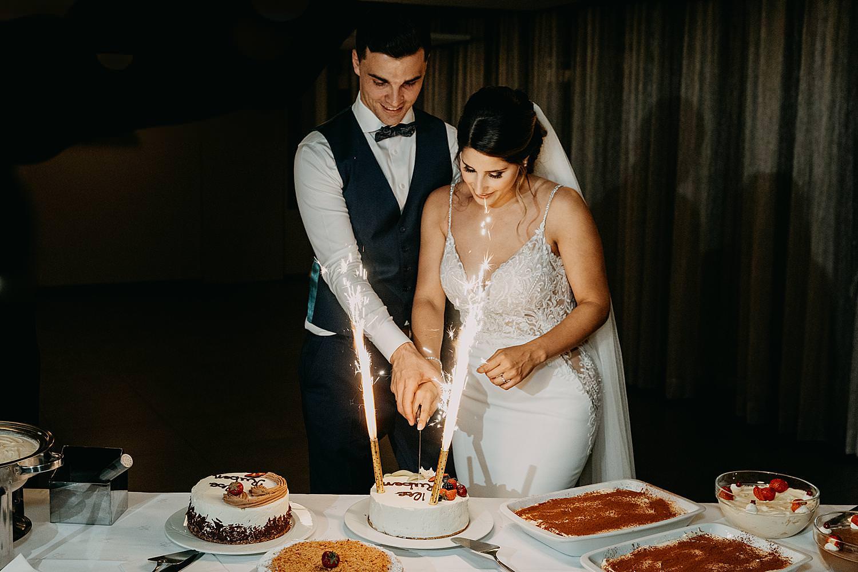 Rubenshof aansnijden bruidstaart