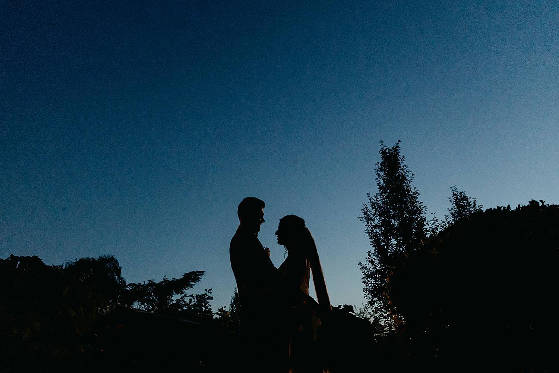 silhouet bruidspaar Rubenshof tuin feestzaal Alken