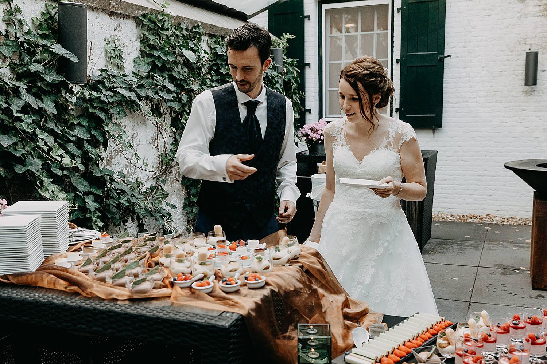 bruidspaar dessertbuffet kasteel