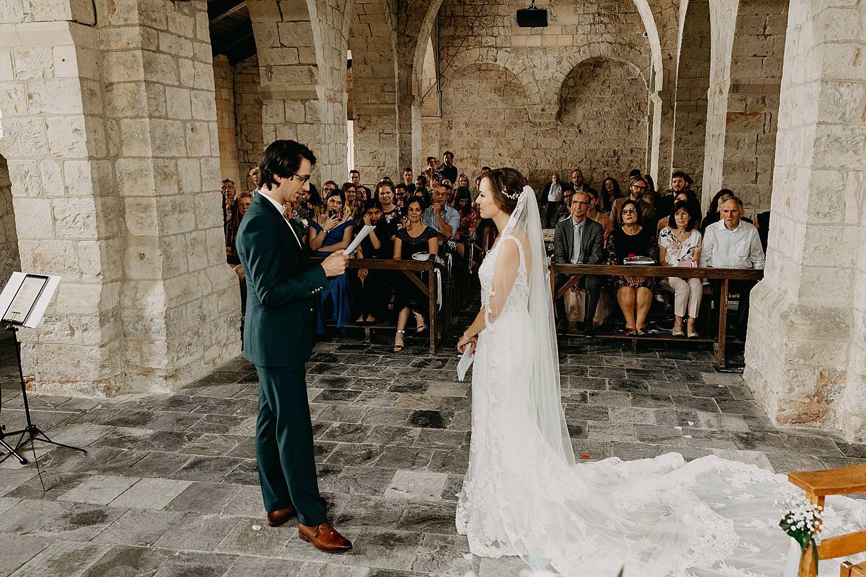 bruidspaar ja-woord huwelijk kerk Guvelingen
