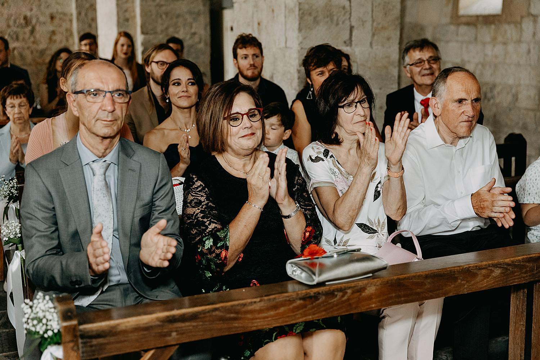 applaus familie kerk Guvelingen huwelijk