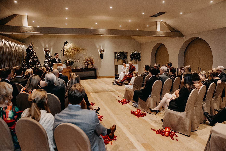 binnenceremonie winterhuwelijk La Butte aux Bois