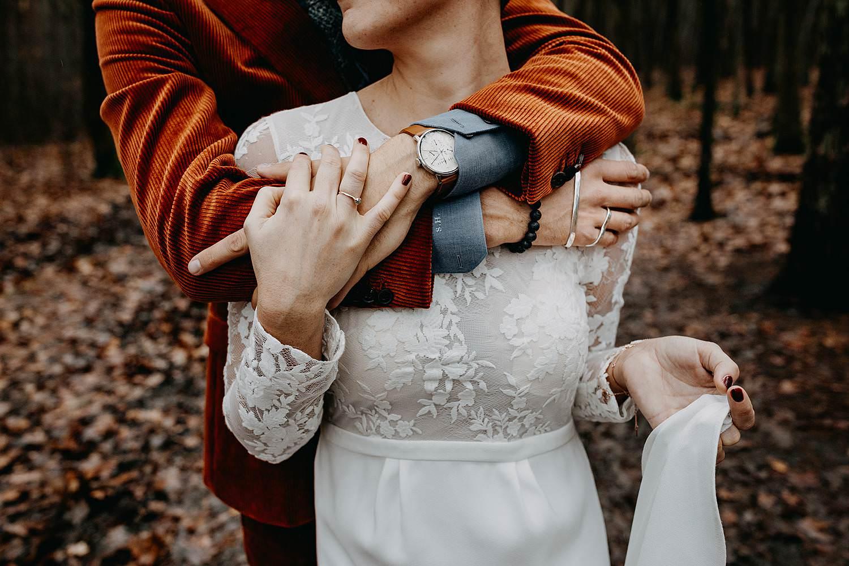 knuffel bruidspaar bos La Butte aux Bois