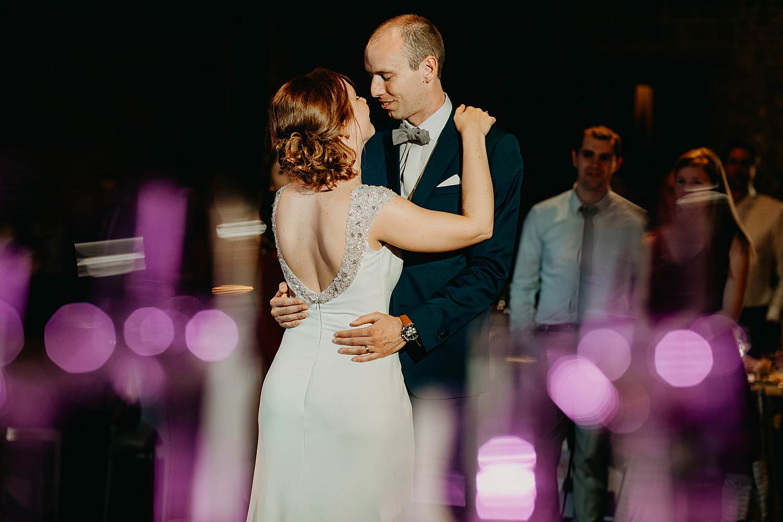 Tiendschuur openingsdienst bruidspaar