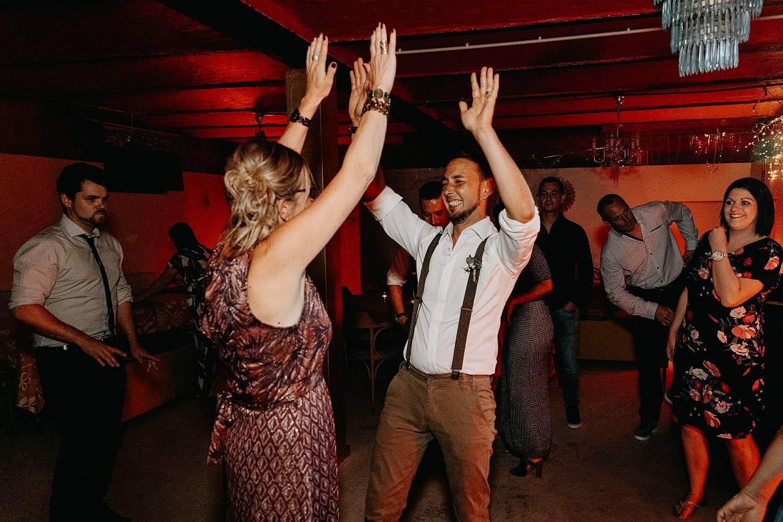 bruidegom feest dansvloer huis van Mihr