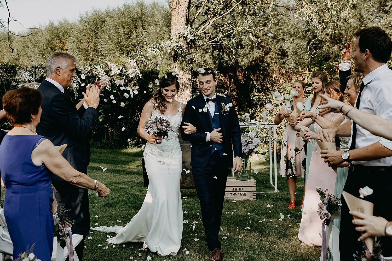 Hof Ter Delft uittrede bruid met vader