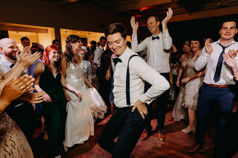 Dansfeest huwelijk gasten dansen