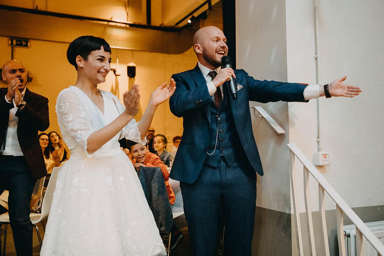 De Hoorn feestzaal huwelijk binnenreceptie bruidspaar geeft speech