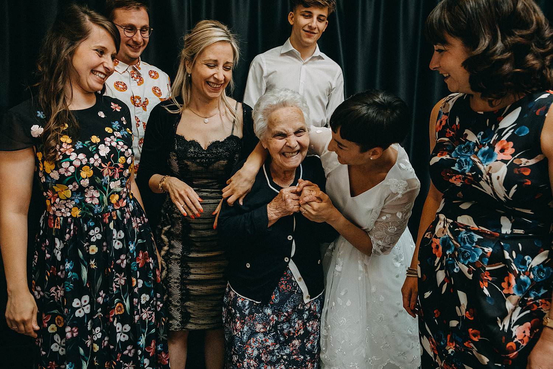 De Hoorn huwelijk avondfeest bruid groet oma
