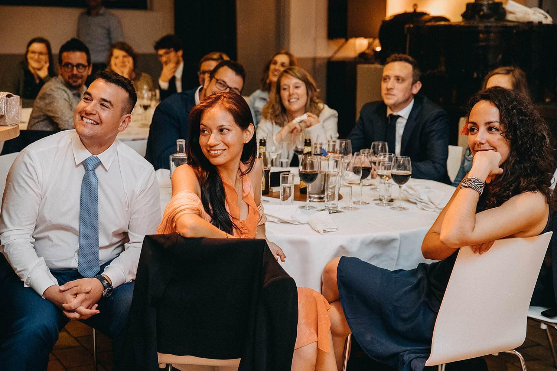 De Hoorn huwelijk avondfeest gasten aan tafel