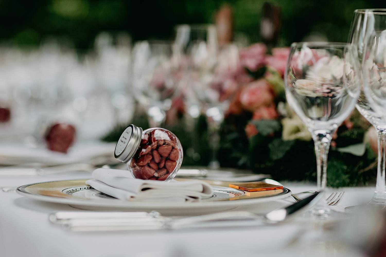 De Lozen Boer detail tafeldekking feesttafel huwelijk tuin
