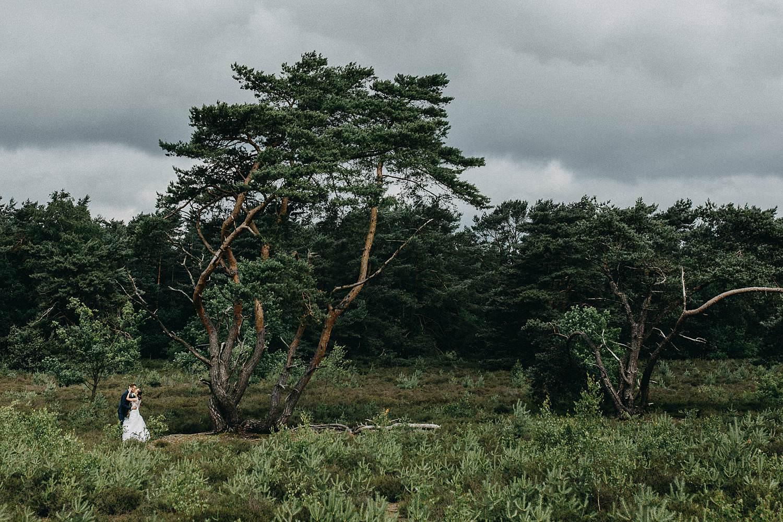 De Teut heidelandschap bruidspaar