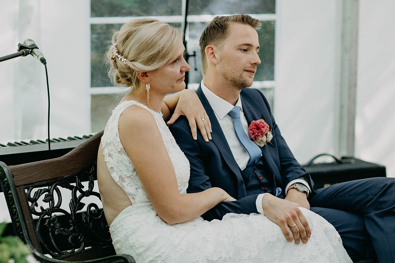 De Venkel binnenceremonie huwelijk bruidspaar