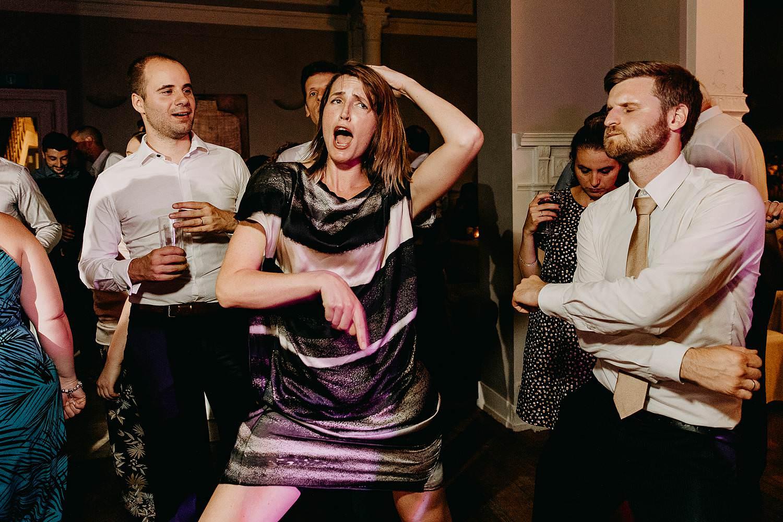 De Venkel trouwfeest gasten dansen