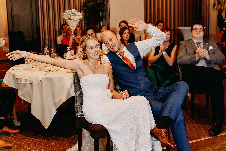 De Vesten huwelijk bruidspaar geniet van voorstelling