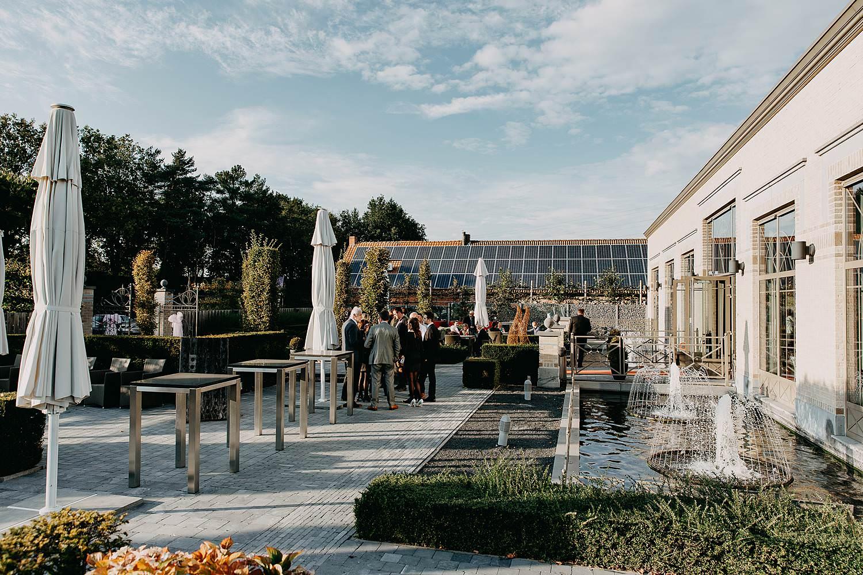 De Vesten huwelijk buitenreceptie met fonteinen