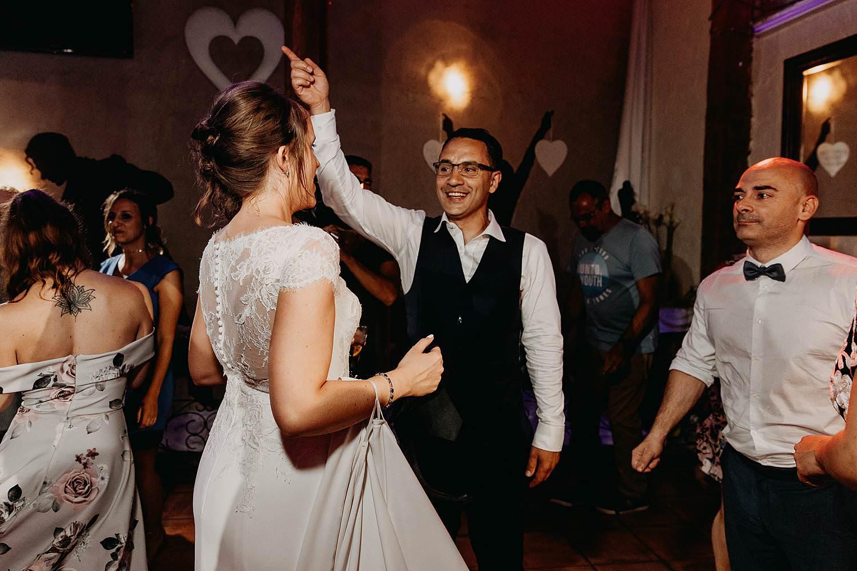 De Vrije Valk huwelijk dansfeest