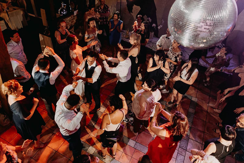 De Vrije Valk huwelijk dansparty
