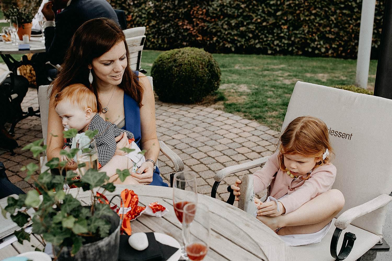 Feestzaal 't Driessent huwelijk familie aan tafel